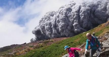 這些登山客拍攝到日本御嶽山火山大爆發的近距離驚險片段!