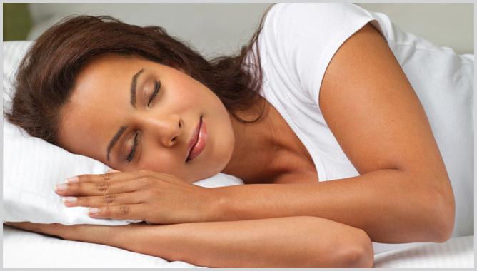 10 Ways to Keep Skin Looking Youthful Sleep