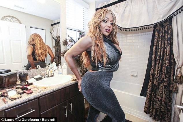 這名變性者接受了100多次的注射,就是為了要成為擁有最美臀的女人。