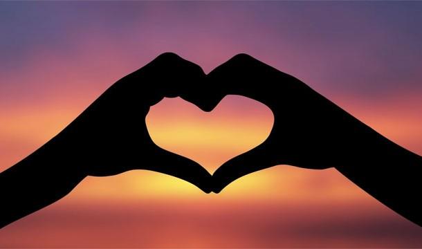 23. 不知道為什麼「心」會被連結到「愛」,很有可能是從希臘開始的。