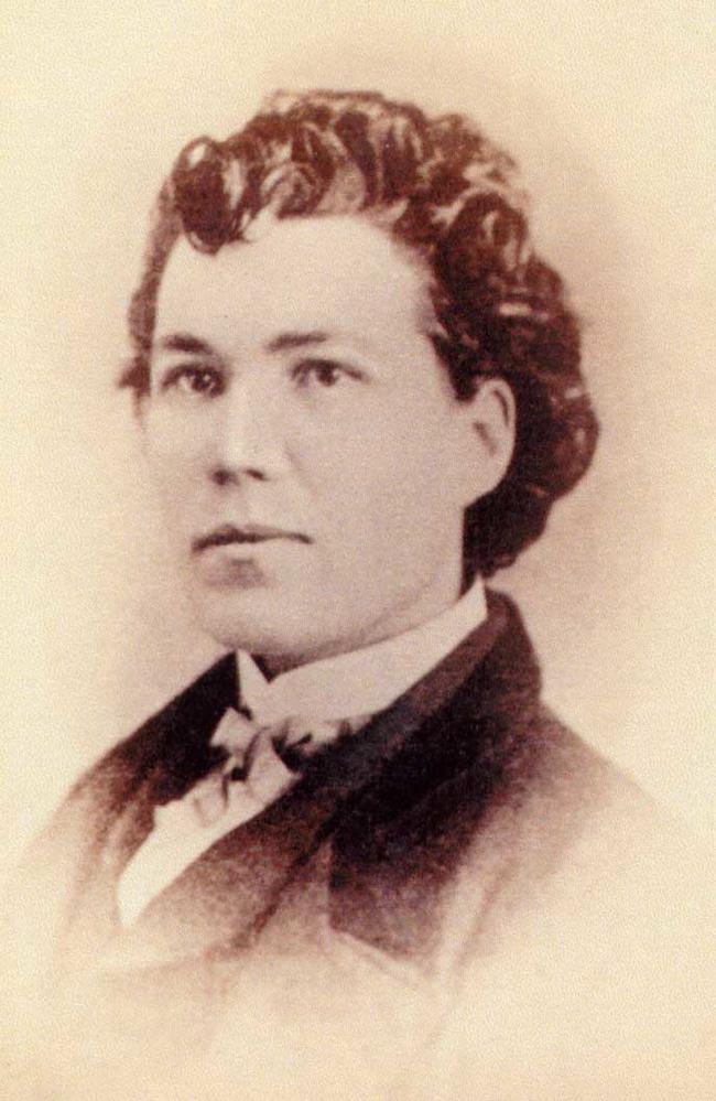 5. Sarah Edmonds是在內戰時期由加拿大役轉為北軍(Union)的的間諜,她以黑人的身分滲透進美利堅聯盟國(Confederate)的基地,偷取無數的文件,然後將基地燒掉夷為平地。