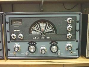 3. 在二次世界大戰(WWII)後,全球都開始使用短波廣播,來傳送一連串的密碼。很奇怪的是,至今這個機器還會嗶嗶聲。