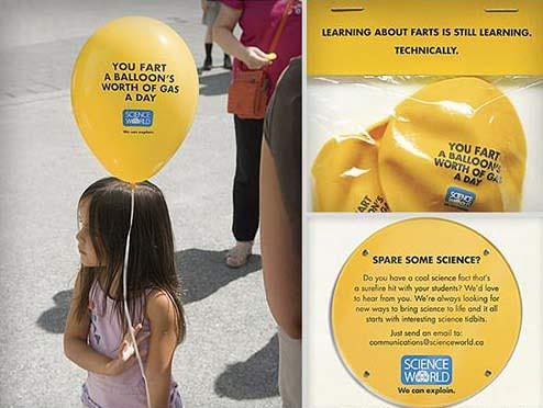 氣球上面寫:「你一天會放一個氣球這麼多的屁。」