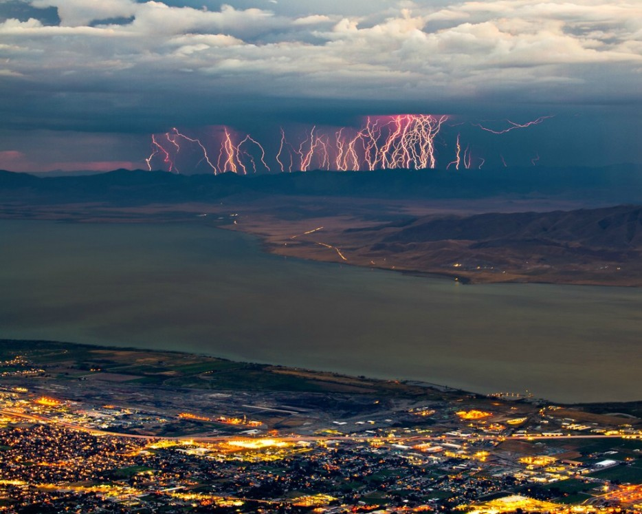 美國猶他州廷帕諾戈斯山(Mount Timpanogos, Utah, USA)