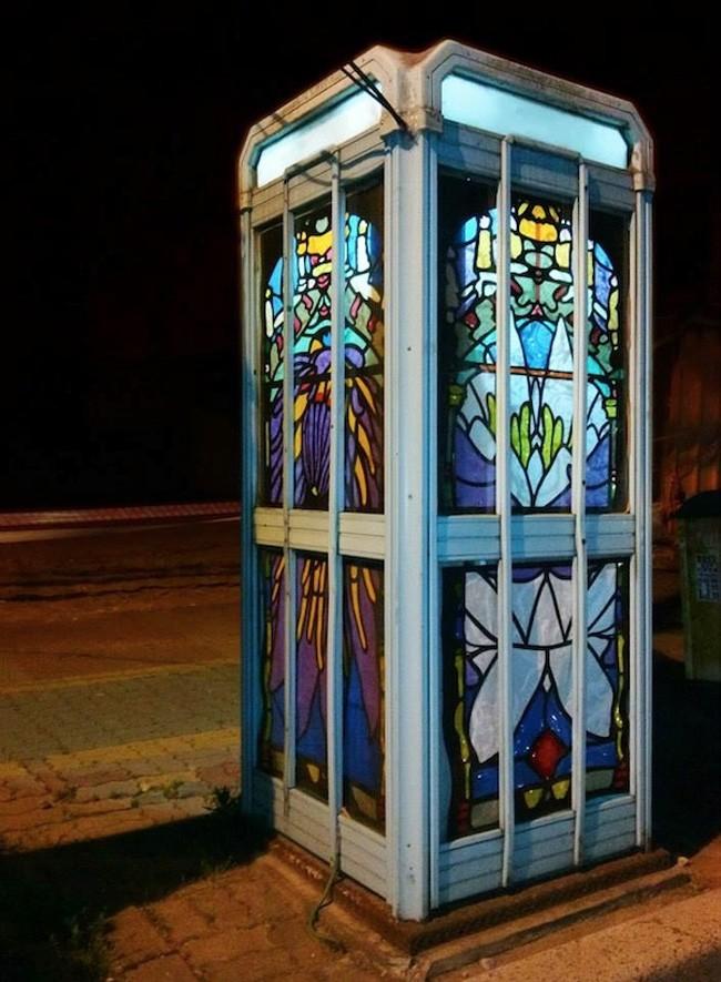 彩繪玻璃電話亭, Jesse Olwen 的作品(南韓)