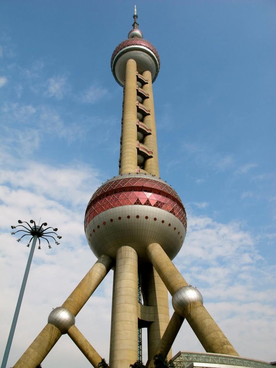 中國東方明珠廣播電視塔(Oriental Pearl Tower)