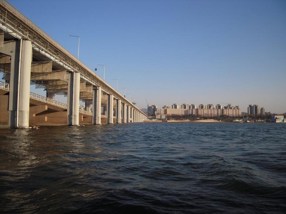 南韓盤浦大橋(Banpo Bridge)