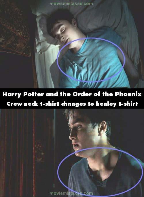 10. 《哈利波特—鳳凰會的密令》(Harry Potter and the Order of the Phoenix):在哈利波特在睡夢中夢到魔法部的場景,他原先是穿著圓領的短袖,但當他夢見佛地魔而驚醒的時候,他忽然變成穿著有鈕扣的亨利衫。