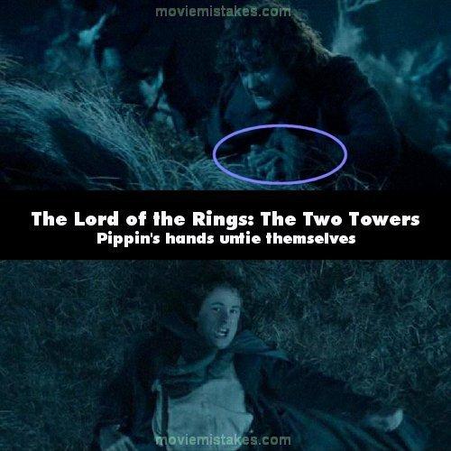 16. 《魔戒二部曲:雙城奇謀》(The Lord of the Rings: The Two Towers):梅里(Merry)和皮平(Pippi)被強獸人(Uruk-hai)綁住,綁住的繩子直到戰鬥中,他們試著逃脫才解開。但當馬差點要踩到皮平身上的時候,他的雙手卻又是自由的。然後再下一個鏡頭,他的手又被綁起來了。