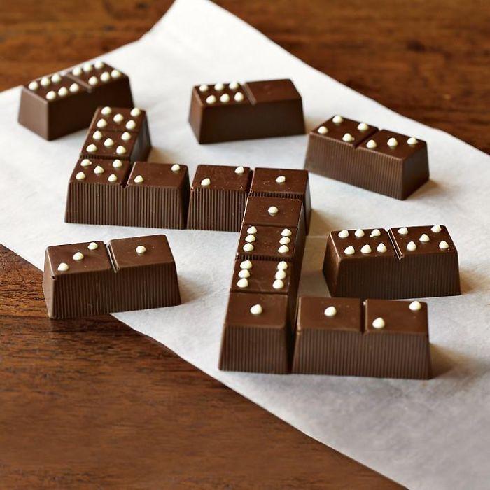 巧克力骨牌