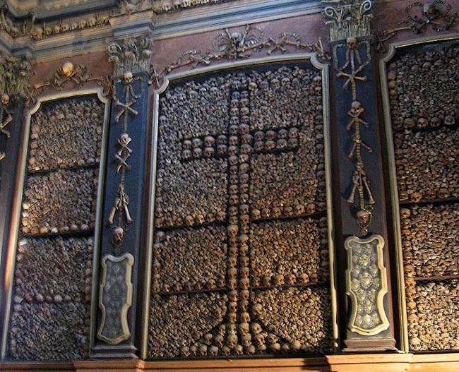 1. 義大利聖貝納迪諾骸骨教堂(San Bernardino alle Ossa, Italy.)