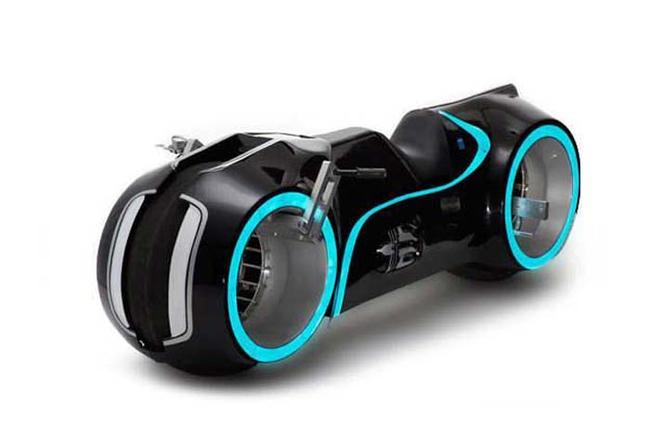 5.) 《創:光速戰記》的摩托車:164.5萬台幣