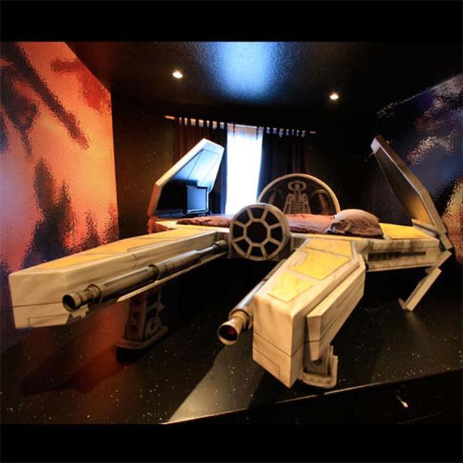 7. 星際大戰飛行船造型的床:44.8萬台幣
