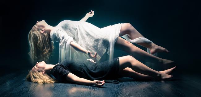 根據死過但活過來的人的說法,這是你死後可能會發生的9件事情。