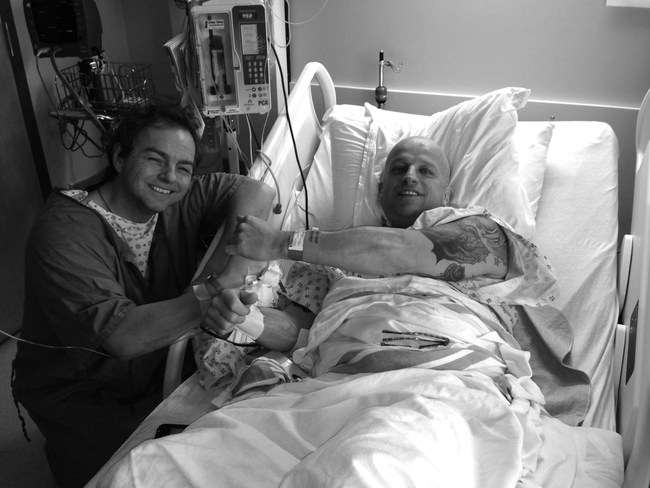 這名洗腎病患一週4天都在洗腎,但是他努力生活的方式讓他遇到了奇蹟!