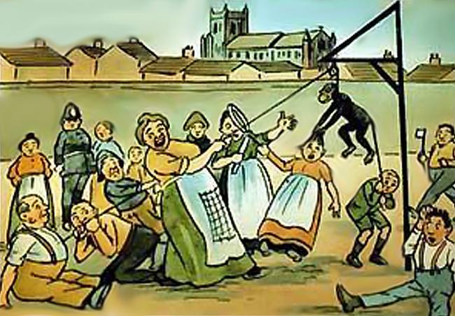 13. 在1800年初的英國的哈特爾浦(Hartlepool),在船難中有一隻倖存的猴子。村民們將他視為法國的間諜審判後弔死。(嗯...是認真的...)