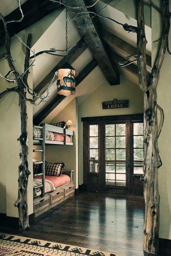 23.) Rustic bunk beds.