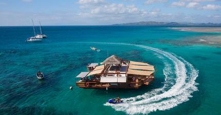 這個絕美的海上酒吧,真的有可能是全世界最棒的酒吧。