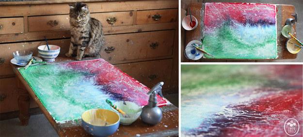在父母親讓自閉症女兒開始畫畫之後,他們才發現到她驚人的溝通方式!