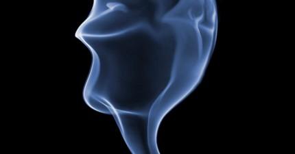 攝影師花了3個月拍了10萬張「煙」的照片。他最後選的幾張真的太神奇了!