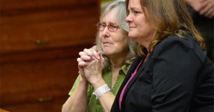 這位59歲女人被冤獄17年才討回公道。她展現出的寬容精神讓我無比佩服。