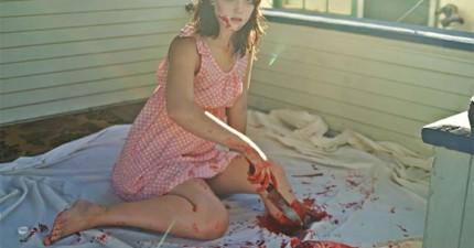 這個女生對自己的腿做了什麼?這讓我同時感到恐懼和振奮!好矛盾的感覺...