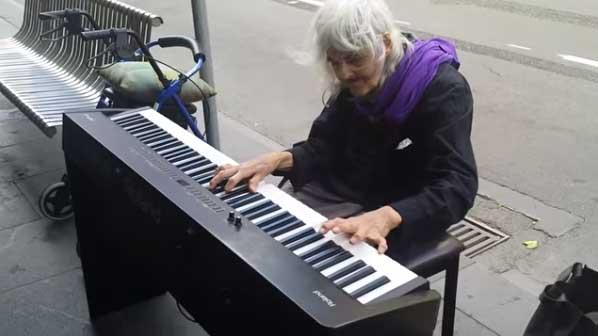 流浪鋼琴家Natalie