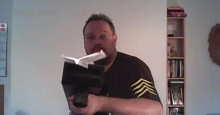 這個天才製造了一支最沒有用的機關槍...因為它只會發射紙飛機!(我一定要一支!)