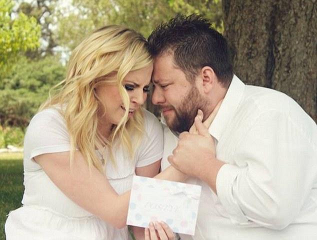 這對夫妻努力了8年卻無法生育。但後來一懷孕,就中了7000萬分之一機率的超大驚喜!