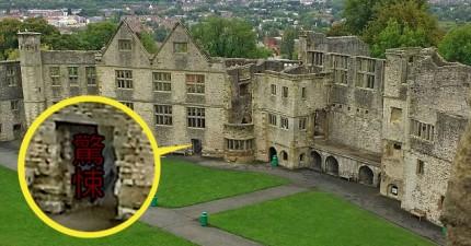 這對情侶到了古城堡旅遊,回家才發現拍到了傳說中陰魂不散的「灰衣女鬼」!