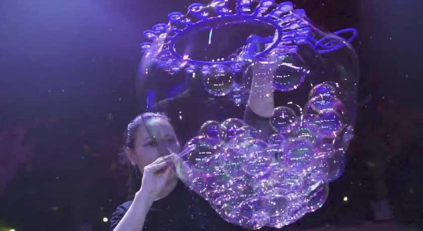 Ana-Yang-泡泡秀2