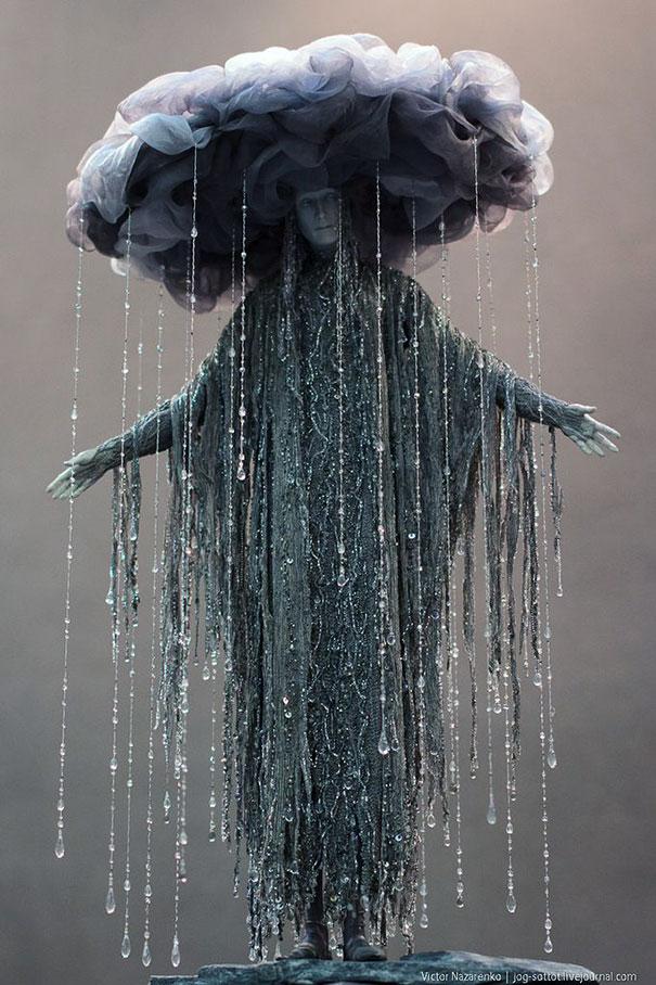 1. 雨水女人