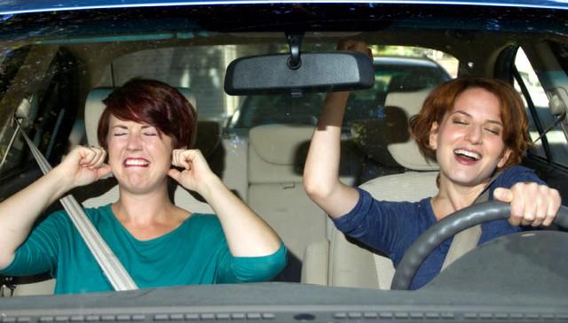 12. 音樂會嚴重影響我們開車時的注意力。(要注意啊!)