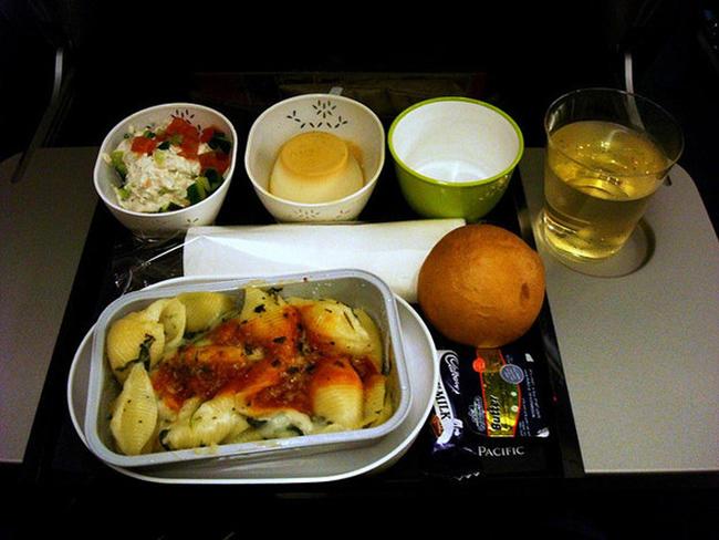 12. 國泰航空 Cathay Pacific