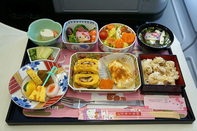 4. 長榮航空夢幻Hello Kitty彩繪機 EVA Airways Hello Kitty Jet