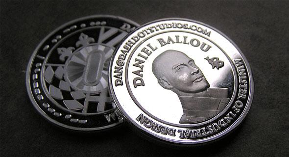 32.) 把自己設計成一個硬幣...希望不要讓別人搞混了啊!