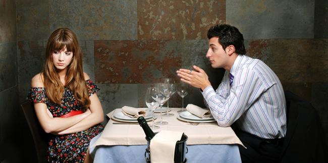 當你在約會的時候,這是你最不想要看到的6大徵兆。