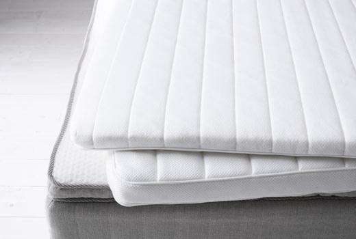 15. 幫你的床墊加一層泡綿或是羽毛的床墊,讓你可以睡得更舒適。