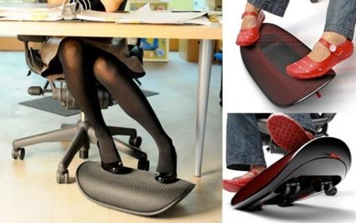 41. 用一個「活動式的踩腳椅」來讓你的腳收縮自如。