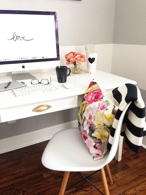 38. 如果上述太瘋狂,你也可以用個舒服的枕頭來讓你現在的椅子更舒服。
