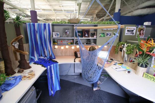 37. 把你的椅子換成ˋ吊床椅。
