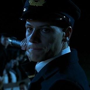 伊恩·葛魯佛 (Ioan Gruffudd) 飾演 Harold Lowe (船員)