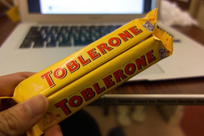 錢都睡掉了真難過,那怎麼辦呢?難過的時候當然要吃巧克力。