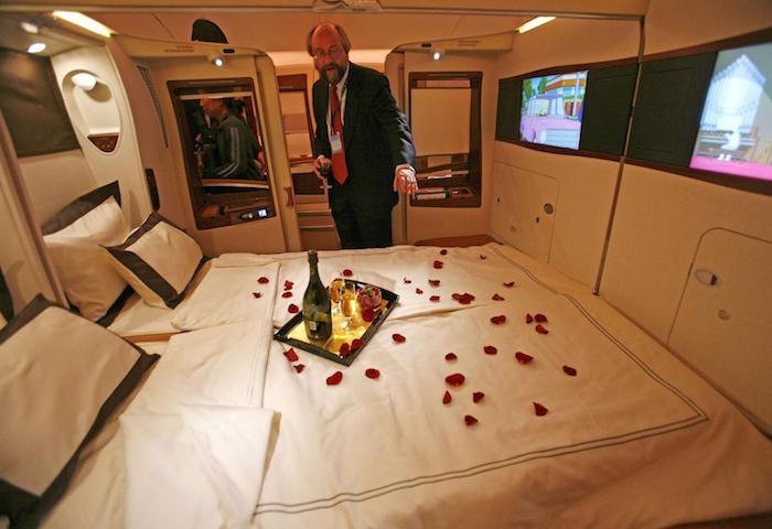 55萬天價的機票到底有多奢華?他把所有的細節拍下來,國王才能享有的權力!