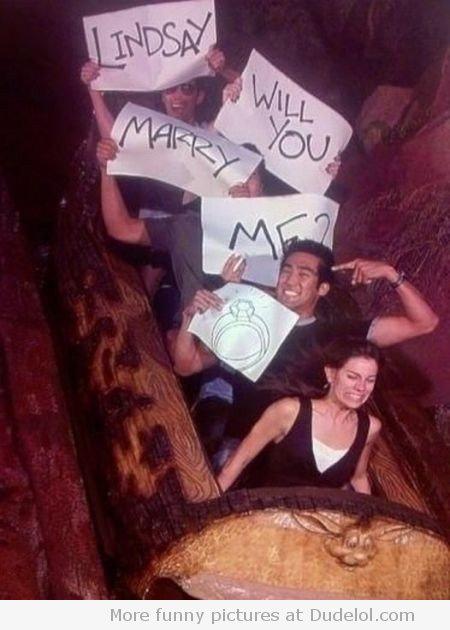 29. 女生不知道被嚇完之後還有另一個驚喜。(Lindsay你要嫁給我嗎?)