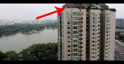 北京瘋狂教授無視於鄰居的存在,歷時6年在頂樓加蓋一座山!