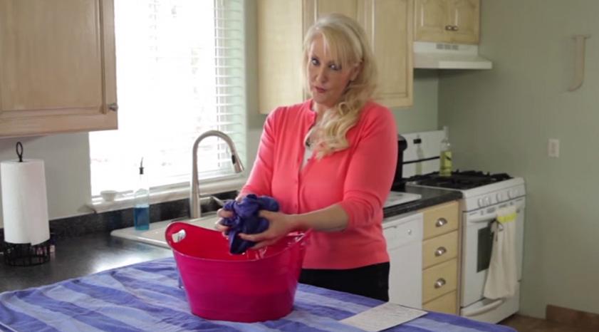 衣服常常越洗越小件?快來試試這個簡單的方法救回你的衣物!