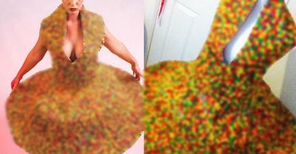 遠看覺得這件禮服真是色彩繽紛,近看才發現不僅好看,而且還超好玩又好吃啊!