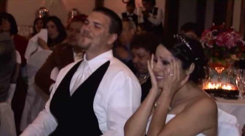 他在婚禮上為手語翻譯員女兒做的事情,讓所有人忍不住哭了出來了。