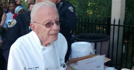 一個90歲的老先生好心份送食物給遊民,卻被警察吆喝逮捕。究竟怎麼回事?